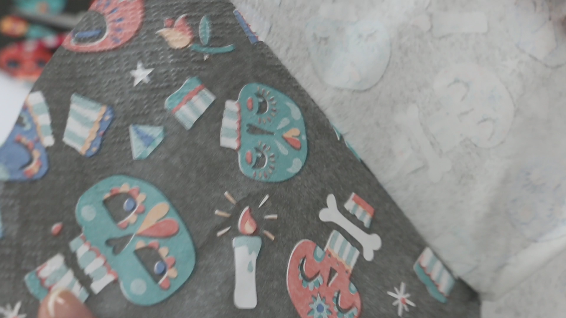 DIY LIBRETA HALLOWEEN DECOUPAGE JIPIJAPAS .Imagen fija014